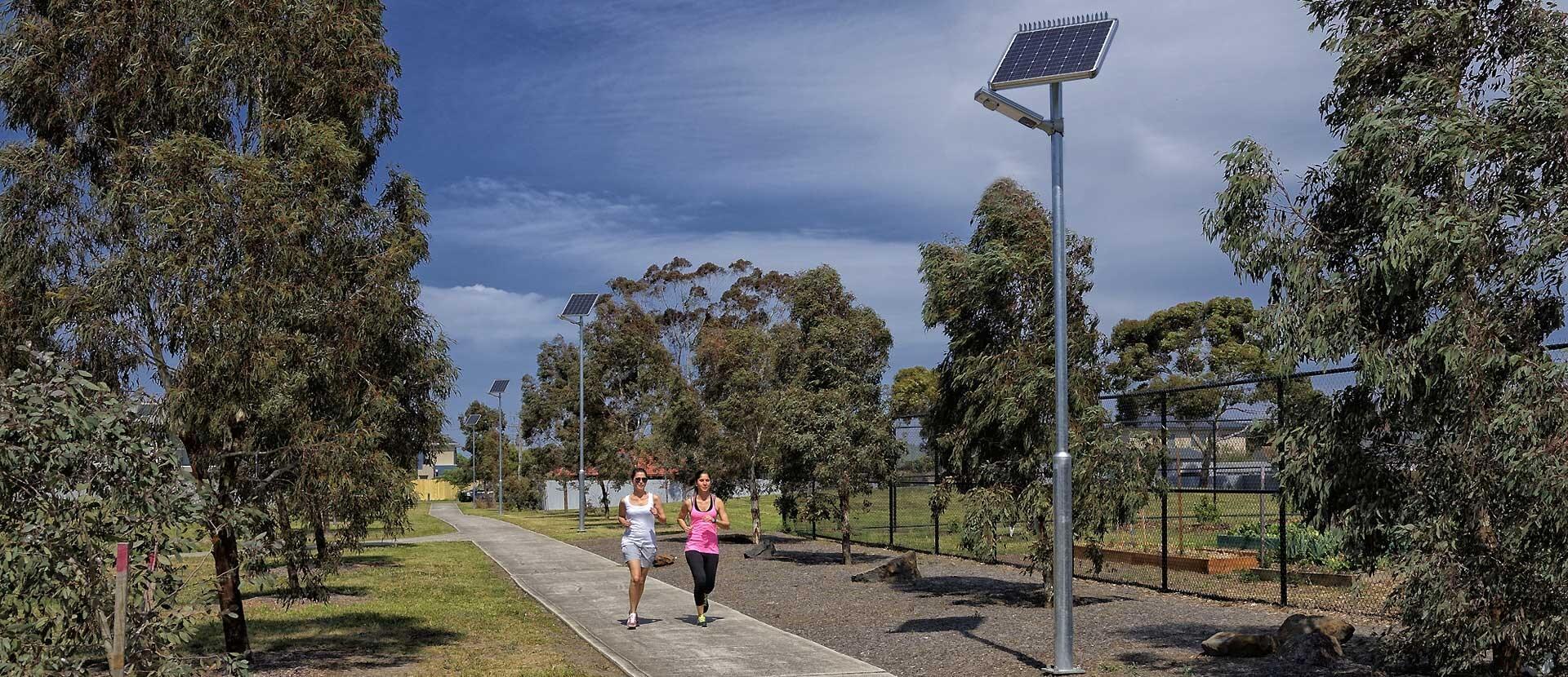 đèn chiếu sáng đường phố năng lượng mặt trời