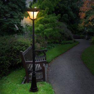 Ưu điểm đèn sân vườn năng lượng mặt trời và tính năng an toàn