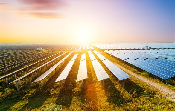 Lắp đặt tấm pin năng lượng mặt trời