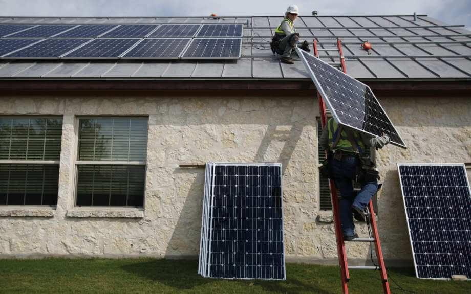 cài đặt hệ thống điện mặt trời