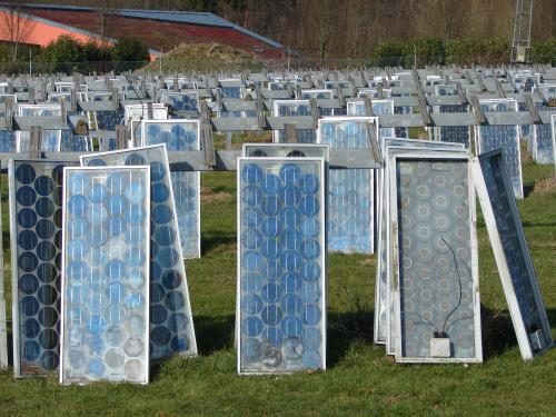 Tấm năng lượng mặt trời cũ xử lý như thế nào
