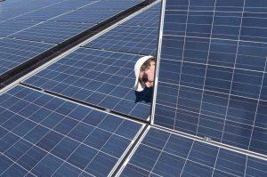 Cách nhận biết tấm năng lượng nào tốt cho hệ thống điện mặt trời